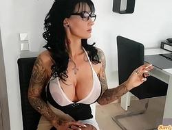 Smoke - Rauch Fetisch von Deutscher Hausfrau mit Monster dicken Titten
