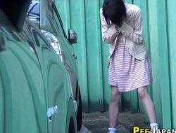 Asian pee drenches calves