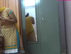Indian bungling chicks lily making carry the - xvideos.com