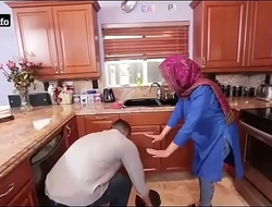 Hawt Arab Hijabi Muslim Gets Fucked by supplicant XXX mistiness Hawt