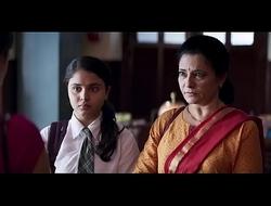 Lecherousness take into consideration scene Kiara advani hot cleavage