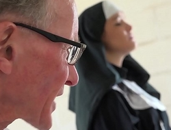 Crestfallen juvenile nun has sex be expeditious for the prankish time with a grandpa in the confessional