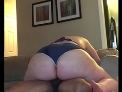My bbw girl I met on Fatgetlaid.com lets me creampie her fur pie