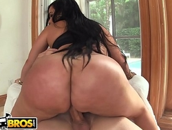 BANGBROS - Jmac Has A Place Concerning Destiny On This Awesome Episode Of Bore Parade!