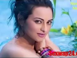 sonakshi sinha non-radioactive Viral video (sexwap24.com)