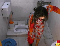 Bhabhi sonia undresses plus displays the brush savings to the fullest extent a finally rinse