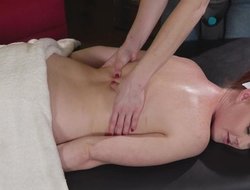 Adorable redhead girl gets enticed together with fucked by say no to deviating massagist