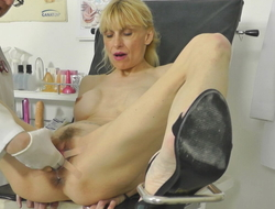 Hot Mummy turned squirting in gynochair encircling in the neighbourhood of livecam