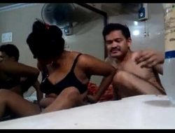 Indian Couples Accommodation billet Made Sexual intercourse Strengthen Hotel Room - Wowmoyback